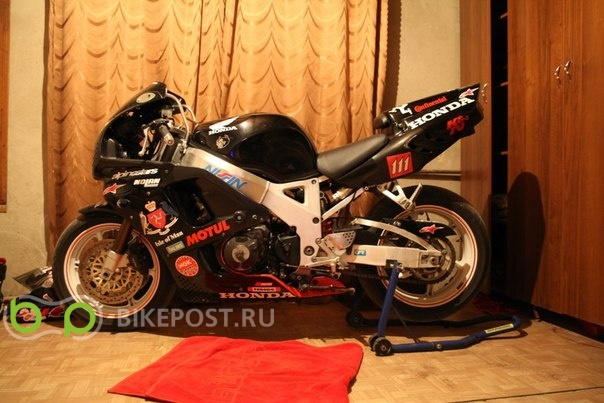 10.08.2015 угнан Honda CBR900RR Fireblade 1995 (Россия, Ростов-на-Дону)